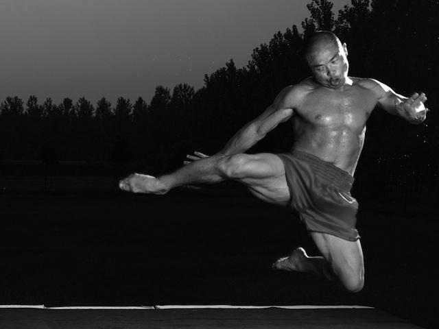 Shifu Yan Lei 34th Generation Shaolin Warrior